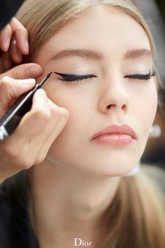 Ondria Hardin for #Dior- winged liner and #pink lips