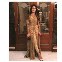 Wedding dresses pakistani anarkali outfit 32 ideas for 2019 Shadi Dresses, Pakistani Formal Dresses, Pakistani Wedding Outfits, Pakistani Dress Design, Pakistani Party Wear, Indian Wedding Dresses, Kurti Pakistani, Net Dresses, Bridal Anarkali Suits
