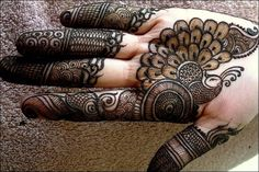 Image result for henna designs palm Mehndi Art, Henna Mehndi, Henna Tattoos, Arabic Henna Designs, Beautiful Henna Designs, Henna Images, Mehendi Simple, Mehandhi Designs, Heena Design