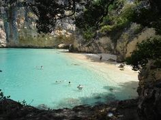 Little Bay- Private beach.. take either boat taxi or climb down with rope