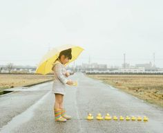 """Japanesephotographer and dad Nagano Toyokazu has created a funny photo series of his daughtertitled """"Photogenic Princess"""""""