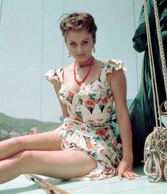 Sophia Loren    #film #vintage #actress