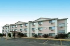 Cedar Rapids (IA) Quality Inn South Cedar Rapids United States, North America Set in a prime location of Cedar Rapids (IA), Quality Inn South Cedar Rapids puts everything the city has to offer just outside your doorstep. Featuring a complete list of amenities, guests will find their stay at the property a comfortable one. 24-hour front desk, Wi-Fi in public areas, car park, newspapers, dry cleaning are just some of the facilities on offer. Comfortable guestrooms ensure a good ...