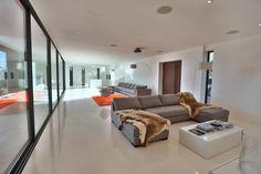 maison 6 pièces en vente sur GORDES (84220) Luberon Provence, South Of France, Houses, Couch, Modern, Furniture, Home Decor, Homes, Settee