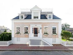 39 Orange Street - Nantucket Real Estate Sales Listing - The Maury People Sotheby's International Realty Nantucket Home, Nantucket Massachusetts, Nantucket Style, Nantucket Island, Coastal Style, Exterior Design, Interior And Exterior, Future House, My House