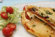 Pofonegyszerű pizzavacsora, amit akár ma is elkészíthetsz - VIDEÓ! Calzone, Penne, Cheddar, Tacos, Mexican, Lunch, Ethnic Recipes, Food, Drink