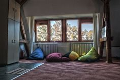 Under the window by Finta  Kolos on 500px