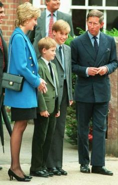 August 19, 1995: Prince Harry and Prince William attended another event during the VJ Day Commemorations.For the necktie watchers in the fandom, Prince Harry sported another animal-themed necktie during one of the VJ Day commemoration events. This, as far as I know, would be his third animal-themed necktie. He was previously spotted with a rabbit/bunny tie and an elephant tie. This time, it's a necktie with pig print design.(x)