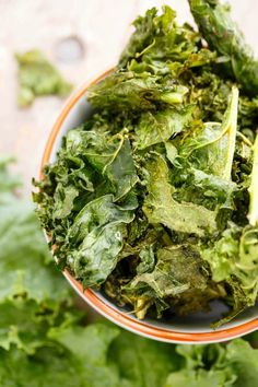 Coconut Oil Kale Chips | http://thecookiewriter.com | #healthy #vegan #kale