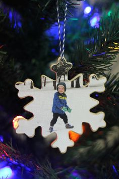 Wooden Photo Ornament | Analisa Murenin for Silhouette