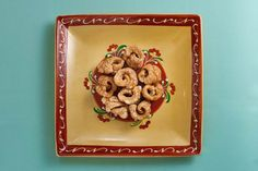 How to Make Homemade Mexican Chicharrones recipe. Not for vegetarians but a yummy crispy Mexican snack, perfect to dip into guacamole! Mexican Chicharrones Recipe, Family Recipes, Family Meals, Dad Blogs, Mexican Snacks, How To Make Homemade, Guacamole, Dip, Vegetarian