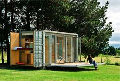 Shipping Container Homes: Portable shipping container holiday home, New Zealand