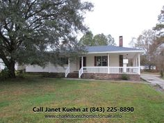 Traditional 4 Bedroom Summerville SC Home for Sale | 101 Lake Drive http://charlestonschomesforsale.info/blog/4+Bedroom+Traditional+Home+For+Sale+In+Summerville+SC+101+Lake+Drive #SouthernBreezesRealEstate #101LakeDr #SummervilleSCHome #JanetKuehn