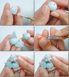 Sweet little bird - passarinho azul com asas abertas Mais