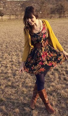 Stylist: I have a floral tunic like this pattern and fit. I really need a belt for it so the top is fitted and not baggy.