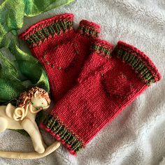 Ravelry: Hearts in the Right Place pattern by J. L. Fleckenstein