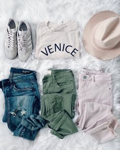 #casual #spring #outfit #jeans #tee