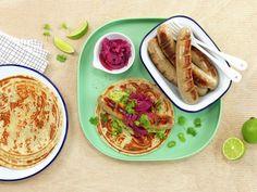Syltet rødløk | Oppskrift - MatPrat Frisk, Guacamole, Grilling, Tacos, Food And Drink, Mexican, Ethnic Recipes, Beverage, Washington