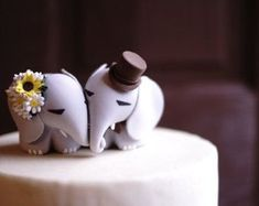 ELEPHANT Wedding Cake Topper - Sunflower & Daisy bouquet for bride -  Warranty Protection Included #weddingbouquets