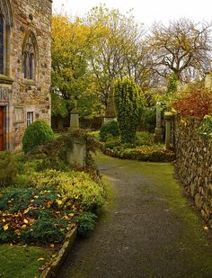 Duddingston Kirk churchyard autumn colours. The church was built in or around 1124. Scotland