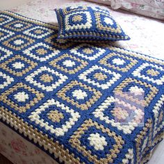 24 New Ideas Crochet Granny Square Bag Pattern Afghans Crochet Afghans, Crochet Bedspread, Crochet Quilt, Crochet Blocks, Crochet Squares, Crochet Doilies, Crochet Square Patterns, Crochet Blanket Patterns, Crochet Crafts