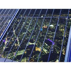 Instagram【valiumskies09】さんの写真をピンしています。 《Nothin' But Mesh. #Toronto #TorontoLife #The6ix #6ix #TDot #Hometown #Landmark #TorontoArt #Cityscape #UrbanPhotography #Landscape #NightScape #Nightview #NothingButNet #Net #Mesh #CNTower #Views #ViewsFromThe6ix #トロント #カナダ #多倫多 #多伦多 #加拿大 #🇨🇦 #故郷 #ふるさと #鄉下 #夜景 #景色》