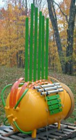 A Chimasaur from Jim Doble of Elemental Design tidewater.net. Made from a large propane tank with welded pipes bars, arches and gongs. I love it - I wonder what it sounds like? Originally Pinned by Alec Duncan of http://childsplaymusic.com.au/