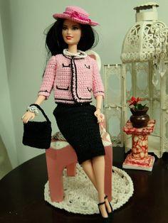 PAP - Tradução do casaco Cassino de crochê para Barbie