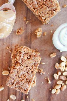 Crunchy Oatmeal Peanut Butter Oats 'n Honey Bars | http://www.halfbakedharvest.com/