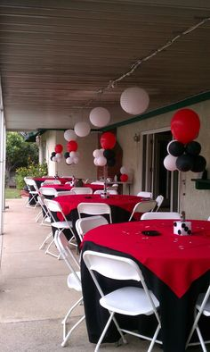 """Really think this is a great idea for the covered patio. Love the Two tone tablecloths really make it """"vegas"""""""
