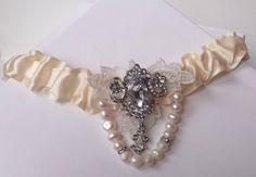 vintage inspired garter