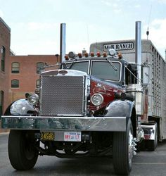 This 1954 LT Mack, owned by Sweetwater, Texas residents Mark and Betty Smith Classic Tractor, Classic Trucks, Antique Trucks, Vintage Trucks, Old Mack Trucks, Mack Attack, Trailers, Train Truck, Show Trucks