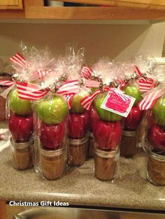 21 DIY Holiday Gift Ideas That Wont Break the Bank - Cassidy Lucille Cute Christmas gift for neighbors and friends! Homemade caramel in mason jars with apples. Neighbor Christmas Gifts, Cute Christmas Gifts, Diy Holiday Gifts, Neighbor Gifts, Homemade Christmas Gifts, Diy Gifts, Christmas Ideas, Christmas Presents, Cheap Christmas