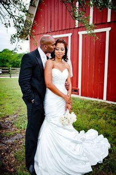 Love this wedding dress! Friend Wedding, Wedding Bride, Dream Wedding, Wedding Dreams, Chic Wedding, Gold Wedding, Wedding Ceremony, Country Wedding Inspiration, Wedding Country