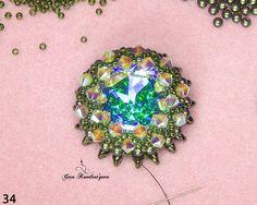 Весна — время обновок, и как же приятно сотворить нечто прекрасное своими руками! Мы приготовили сюрприз для всех ценителей роскошных сияющих украшений. Вдохновленная красотой изящных водных лилий, дизайнер украшений Гера Кондратьева сделала подробный мастер-класс о создании объемного кулона из бисера и бусин, обрамляющих эффектный кристалл Swarovski.