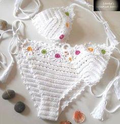 Crochet bikini set in cream an |