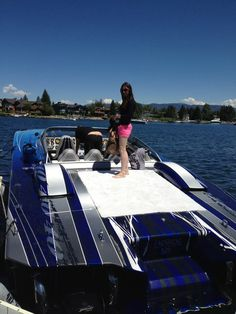 Fast boat, love the clothes ;)