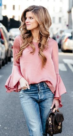 Bell sleeve tops are so stylish! I love how feminine they look. I haven 23f2657d5