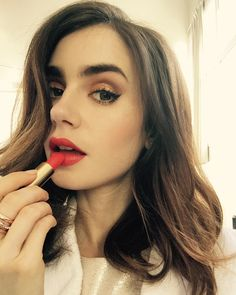 """384.1 mil curtidas, 972 comentários - Lily Collins (@lilyjcollins) no Instagram: """"Mid afternoon pick-me-up with Rouge Flamboyant..."""""""