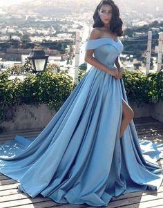 vestido de festa azul decote princesa