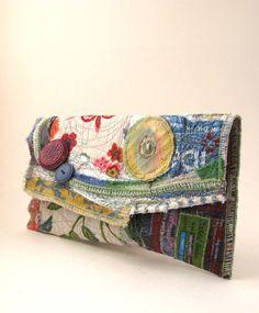 Upcycled Clutch Purse OOAK Garden-y Handmade par itzaChicThing