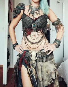 Ideas For Belly Dancing Costumes Bellydance Post Apocalyptic Costume, Post Apocalyptic Fashion, Estilo Tribal, Renaissance Costume, Viking Costume, Diy Kleidung, Tribal Belly Dance, Cosplay Dress, Character Outfits