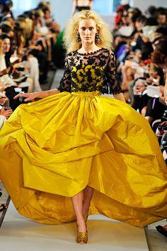 Oscar de la Renta Spring 2012 Ready-to-Wear Fashion Show Haute Couture Style, Couture Mode, Couture Fashion, Fashion Week, High Fashion, Fashion Show, Vogue Fashion, Fashion Trends, Gq