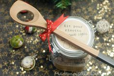 Kit risotto with porcini mushrooms to offer - Kitchen Recipe ~ Miss Kitchen: recipes, tips, Porcini Mushrooms, Stuffed Mushrooms, Diy Cadeau Noel, Mushroom Risotto, Gourmet Gifts, Gifts For Photographers, Mason Jar Crafts, Kitchen Recipes, Diy Kits