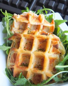 Les gaufres salées : une idée sympa pour un repas du soir, accompagnées d'une petite salade.
