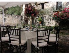 Sillas tiffany para tu boda/ Omaña Eventos / Banquete para boda
