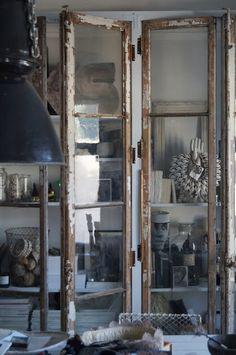 room of creativity: Franska Antika Fönster blev Ateljéskåp..& Älskade lilla tjockKerstin...
