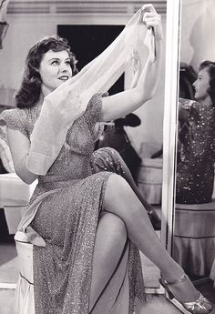 Paulette Goddard and her Classic Actresses, Hot Actresses, Hollywood Actresses, Old Hollywood Glamour, Vintage Hollywood, Classic Hollywood, Beautiful Celebrities, Beautiful Actresses, Paulette Goddard
