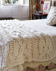 Chunky cable knit blanket