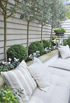 110 garden design ideas in city-style as you transform the outdoors - Garten - Balcony Furniture Design Small Courtyard Gardens, Small Courtyards, Back Gardens, Outdoor Gardens, Small Gardens, Back Garden Design, Backyard Garden Design, Patio Design, Rooftop Garden